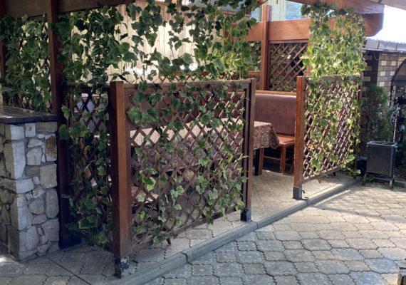 ресторан с летней верандой малой